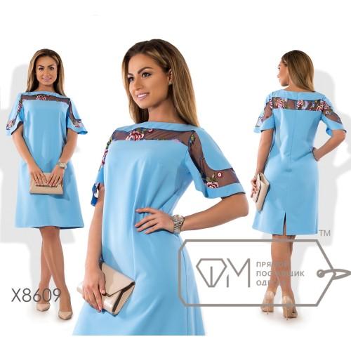 """Платье миди прямого кроя из плательного крепа с вставкой на груди из сетки с вышивкой вырезом """"лодочка"""" и расширяющимся рукавом X8609"""