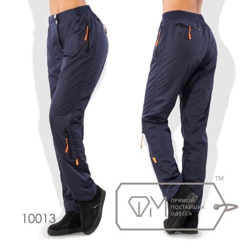 Штаны в спортивном стиле из плащёвки на флисе покроя 6 карманов на эластичном поясе с застёжкой и зауженными штанинами 10013